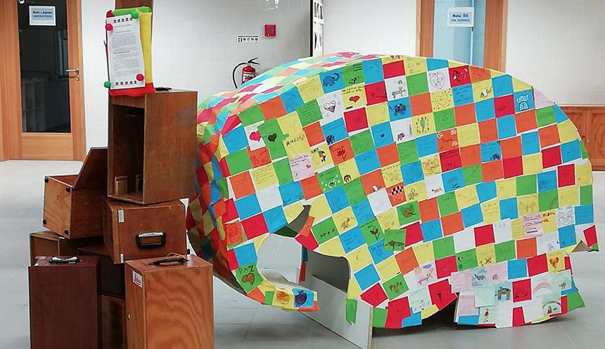 Manada de elefantes invade empresas de Paredes de Coura