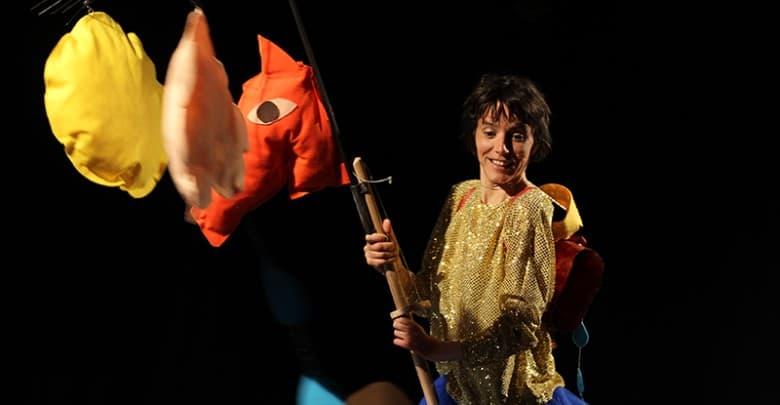 Paredes de Coura dá as boas vindas ao pré-escolar com 'Dama Pé de Mim', pelas Comédias do Minho