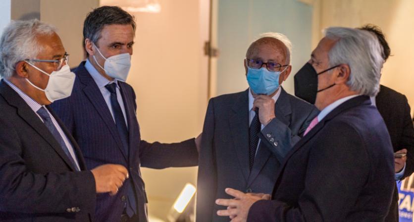 Primeiro Ministro Visitou a Fábrica de Vacinas que está a ser construída em Coura